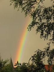 Regenbogen - Regenbogen, Regen, Wolken, Spektralfarben, kreisbogenförmig, Farben, atmosphärische Optik, Brechung, Lichtbrechung, Optik, Reflexion, Farbzerlegung, Wetter
