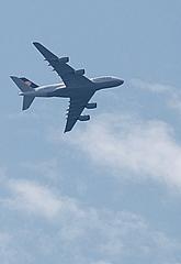 Eindruck vom Fliegen - Flieger, Flugzeug, Jumbo-Jet, Superjumbo, fliegen, Luft, reisen, Fernweh, Verkehr, Flugverkehr, Verkehrsflugzeug, Großraumflugzeug, Langstreckenflugzeug, Verkehrsmittel, Luftfahrt, Langstrecke, Langstreckenflug, Flug, Auftrieb, Physik