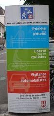 Zone pietonne - Hinweisschild Fußgängerzone - Schild, Hinweisschild, zor pirtonnr, Fußgängerzone, Hinweis, lesen