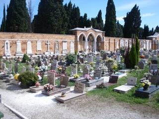 Blick auf den Friedhof in Venedig - Grabmal, Friedhof, Insel, Tod, Beerdigung, Italien, Grab, Gräber