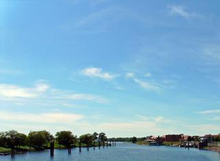 Wettererscheinung - heiter bis leicht bewölkt - Wetter, Wettererscheinung, heiter, leichtbewölkt, sonnig, Wölke, Wölkchen, blau, Windstärke, Wind, Cumuluswolken, Cirrocumuli