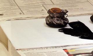 Arbeitsmittel für Farbauftrag auf Druckplatte - Kunst, Portrait, Selbstportrait, auftragen, Farbauftrag, Drucktampon, Tampon, Arbeitsschritt, zeichnen, kopieren, übertragen, Radiernadel, Nadel