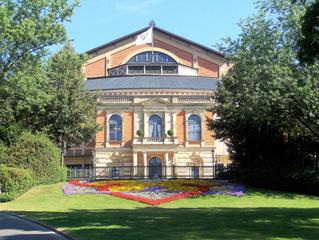 Festspielhaus Bayreuth #1 - Richard Wagner, Festspielhaus, Bayreuth, Bayreuther Festspiele, Oper, Opernhaus, Musik, berühmt