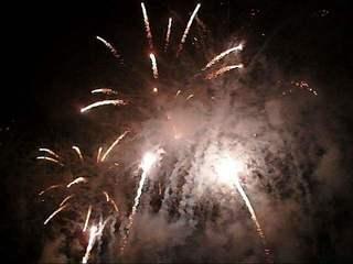 Feuerwerk #3 - Feuer, Feuerwerk, Licht, Lichteffekte, Feuerwerkskörper, Pyrotechnik, Rakete, Antrieb, Rückstoß, Silvester