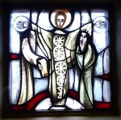 Taizé 06 - Glasfenster Verklärung - Taizé, Altarraum, Ökumene, Konfession, Glaskunst, Fenster, Verklärung, Farbe Weiß, Kirchenjahr