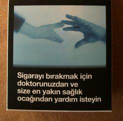 Warnhinweis auf türkischen Zigarettenpackungen #1 - Zigaretten, Zigarettenschachtel, Tabak, rauchen, gefährlich, Warnung, Hinweis, Warnhinweis, warnen, Gesundheit