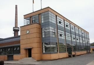 Faguswerk1 - Alfeld, Weltkulturerbe, Fagus, Faguswerk, Architektur, Gropius, Werkhalle, Fenster, Licht, Glas, Schuhleisten, Denkmalschutz, Quader
