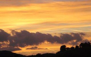 Morgenhimmel am 3.10.2012 - Sonnenaufgang, Himmel, Wolken, morgens, Farbspiele, Farben, Morgenröte