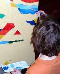 Wandmalerei mit Pinsel #3 - Pinsel, Borstenpinsel, Farbe, bunt, malen, gestalten, ausmalen, Hand, uneben, Untergrund, Wand, auftragen, Mischpalette, Kunst, Tätigkeit