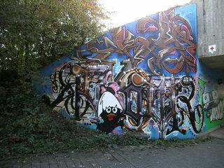 Graffiti#3 - Graffiti, Mauerbilder, Graffito, Bild, Kunstform, Wandmalerei, Schriftzug, Straßenkunst, Calimero, Küken, Anime, Zeichenfigur, Werbefigur