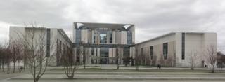Bundeskanzleramt - Bundeskanzleramt, Berlin, Regierungssitz, Regierung, Bundesregierung, Demokratie, Geschichte, Sozialkunde