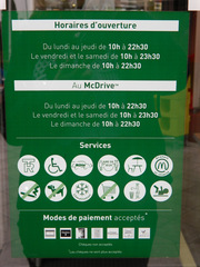 panneau Mc Donald - Frankreich, civilisation, Mc Donald, Mac Do, horaires d'ouverture, Öffnungszeiten, service, modes de paiment, Zahlungsmöglichkeiten, panneau, Schild