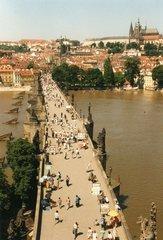 Prag - Karlsbrücke vom Altstädter Turm aus fotografiert - Prag, Karlsbrücke, Brücke, Hradschin, Burg, Heiligenfiguren