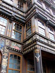 Marktplatz Hildesheim #5 Wedekindhaus Detail - Wedekindhaus, Hildesheim, 1598, Fachwerk, Fachwerkhaus, Schnitzereien, Malerei, Giebel, Auslucht, Fassade, Marktplatz