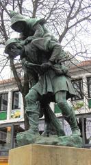 Hildesheim: Der Huckup #1 - Denkmal, Hildesheim, Huckup, Dieb, Sage, Äpfel, Inschrift, Platt, Plattdeutsch, Kobold, Gewissen, Moral, Warnung