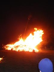 Funkenfeuer in Süddeutschland - Tradition, Feuer, Brauchtum, Fasching, Funkenfeuer, brennen, leuchten, lodern, Hitze, heiß, Sonnenwendfeuer