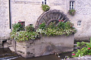 Moulin à Bayeux - Normandie, Bayeux, Wassermühle, Mühle, Müller, mahlen, Steinhaus, Bach, Fluss, bepflanzt