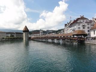 Kapellbrücke - Brücke, Wahrzeichen, Luzern, Schweiz, Kapellbrücke, Holzbrücke, Holz, hölzern, Wasserturm, Turm, überdacht, Überbau, Kulturgut