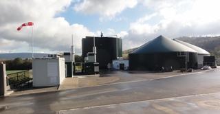 Biogasanlage#3 - Gas, Biogas, Biogasanlage, Umwelt, Energie, Energieerzeugung, Stromerzeugung, alternative, alternativ, erneuerbare, erneuerbar, regenerative, regenerativ, faulen, verfaulen, Faulbehälter, Gärbehälter, Vergärung, Silo, Gülle, Biomasse, Acker, Windsack
