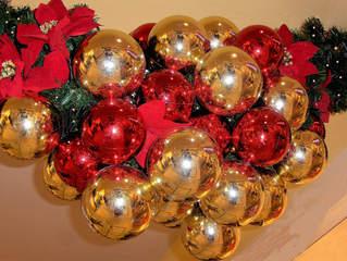Weihnachtskugeln - Weihnachten, Weihnachtskugeln, Weihnachtsdekoration, Kugel, rot, gold, glänzen, Christmas