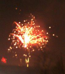 Feuerwerk#3 - Feuerwerk, Nacht, Himmel, Lichter, Farben, leuchten, Feuerwerkskörper, pyrotechnische Gegenstände, koordinierte Zündung, Zündung, Silvester, Pyrotechnik, Rakete, Antrieb, Rückstoß