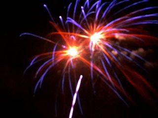 Feuerwerk#4 - Feuerwerk, Nacht, Himmel, Lichter, Farben, leuchten, Feuerwerkskörper, pyrotechnische Gegenstände, koordinierte Zündung, Zündung, Silvester, Pyrotechnik, Rakete, Antrieb, Rückstoß