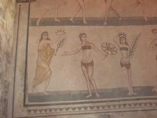 Piazza Armerina - römische Mosaiken #1 - Sizilien, Italien, Rom, Römer, römisch, spätrömisch, Mosaik, Bodenmosaik, Architektur, Villa, Detail, Ausschnitt, Kunst, Weltkulturerbe, Bikini, Bikinimädchen