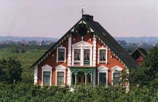 typisches Bauernhaus im Alten Land - Bauernhof, Obstbauer, Altes Land, Backstein, Klinkerstein, Jugendstil, Haus