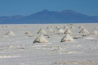 Bolivien, Salzsee - Salz, Speisesalz, Salzgewinnung, Bolivien, Salar de Uyuni, Salzwüste, Speisesalzgewinnung, Badesalz, trocknen, verdunsten, Spanisch, Chemie, Geografie