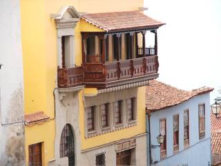 Balkon in Orotava (Teneriffa) 2 - Holzbalkon, Balkon, Schnitzerei, Holz, Teneriffa, Innenhof