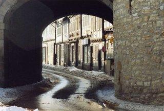 Goslar, Breites Tor im Winter - mittelalterliches Tor, Tordurchfahrt, Altstadt, Fachwerk, Goslar, Straße, Mauer, eng, Mittelalter