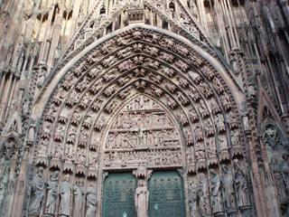 La cathédrale de Strasbourg - das Strassburger Münster 2 - Münster, Kathedrale, Sandstein, Gotik, Spitzbogen, Figurenportal, Ziergiebel, Portal, Eingang