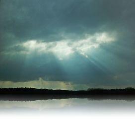 Licht und Schatten - Licht, Schatten, Spiegelung, Reflektion, Sonne, Wolken, Sonnenstrahlen, Licht, Lichtstrahlen, Optik, Physik