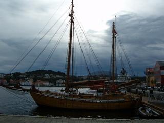 Boot - Segelboot, Boot, Norwegen, Schiff, Kristiansand, Hafen, Wolken, Wolkenformation, düster, Stimmung, verdunkeln, Kontrast hell dunkel