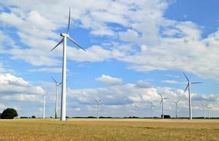 Windrad - Technisches Bauwerk, regenerative Energie, Windrad, Energie, Energiegewinnung, Elektrizität, Kraftwerk, Windkraft, Rotor, Strom, Perspektive, erneuerbare Energie, Windkraftwerk, Physik