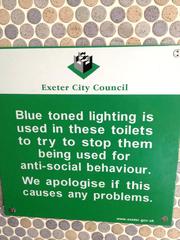 Hinweis in einer öffentlichen Toilette - Schild, Hinweis, öffentlich, Toilette, sign, notice, public, toilet, behaviour, wall