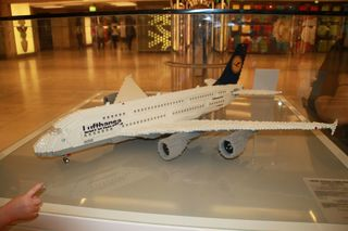 Flugzeugmodell - Modell, Luftverkehr, Flugzeug, Linienmaschine, Airbus, Lego, Legomodell, Technik
