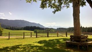 Blick über das Allgäu - Berge, Wetter, Wolken, Zaun, Sonne, Schatten, Wälder, Ruhe, Stimmung