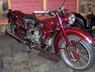 Motorrad-Oldtimer #3 - Motorrad, alt, Oldtimer, Ausstellung, Exponat, Motor, fahren, Moto Guzzi