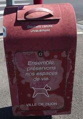 Hundetoilette #4 - Frankreich, civilisation, chien, WC, panneau, Hund, crotte de chiens, distributeur de sacs en plastique, déjections, déchets canins