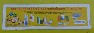 Aufschrift auf französischer Mülltonne - Mülltonne, Mülltrennung, emballage, recycler, bac, recyclage, tri, trier
