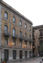 Palermo - Fassade eines Hauses vor der Renovierung - Palermo, Hausfassade, Renovierung