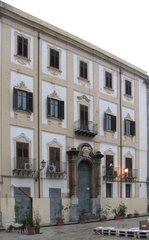 Palermo - renovierte Hausfassade - Palermo, Fassade, Renovierung