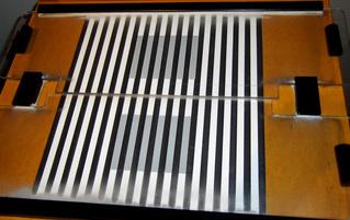 Optische Täuschung #2 - Optik, Experiment, Täuschung, grau, weiß, schwarz, Streifen, Linien, Grautöne, sehen, Illusion