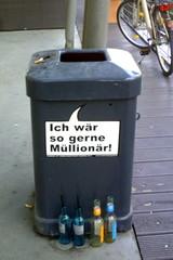 Mülleimer-Spruch 5 - Abfalleimer, Müll, Stadtreinigung, Abfallproblem, lustig, Witz, Sprachwitz, Slogan, Werbung, Humor, Sprechblase, Werbesprache
