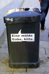 Mülleimer-Spruch 7 - Abfalleimer, Müll, Stadtreinigung, Abfallproblem, lustig, Witz, Sprachwitz, Slogan, Werbung, Humor, Sprechblase, Werbesprache