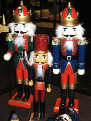 Nussknacker - Nussknacker, Holzpuppe, Nüsse, knacken, Figur, bunt, Soldat, drei