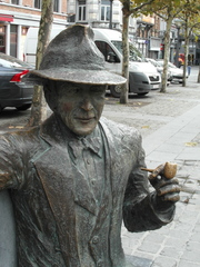 Georges Simenon - Belgien, Lüttich, Liège, Denkmal, Autor, Simenon