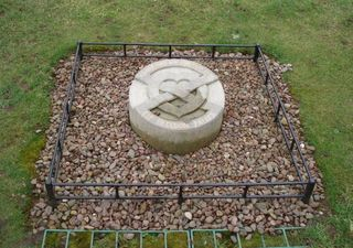 Robert the Bruce - Herz - Robert the Bruce, Bruce, King, König, Herz, Grab, Grave, Heart, Melrose, Schottland, Scotland, Legend
