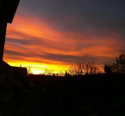 Sonnenaufgang - Wetter, Wolken, Sonne, Sonnenaufgang, Schatten, rot, orange, Stimmung, Morgenröte, Dämmerung, Wolken, Licht
